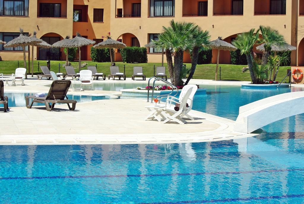 https://golftravelpeople.com/wp-content/uploads/2019/04/La-Costa-Hotel-Golf-and-Beach-Resort-3.jpg