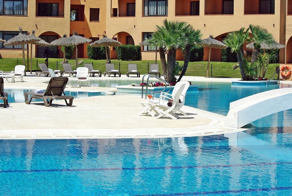 https://golftravelpeople.com/wp-content/uploads/2019/04/La-Costa-Hotel-Golf-and-Beach-Resort-8.jpg