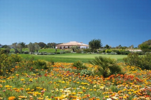 https://golftravelpeople.com/wp-content/uploads/2019/04/La-Estancia-GC-16.jpg