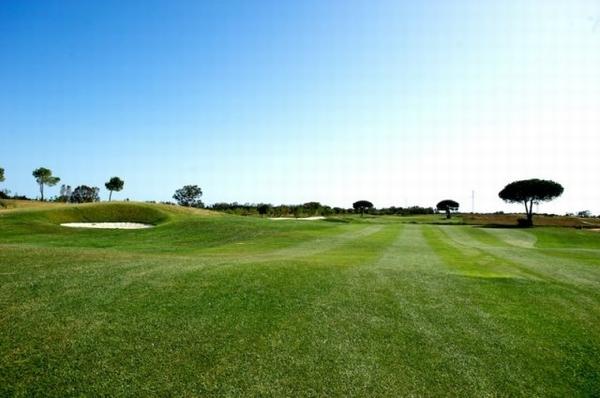 https://golftravelpeople.com/wp-content/uploads/2019/04/La-Estancia-GC-5.jpg