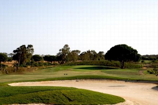 https://golftravelpeople.com/wp-content/uploads/2019/04/La-Estancia-GC-9.jpg