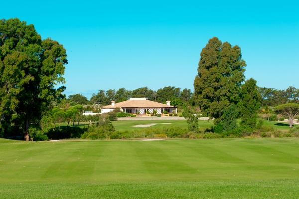 https://golftravelpeople.com/wp-content/uploads/2019/04/La-Estancia-New-3.jpg