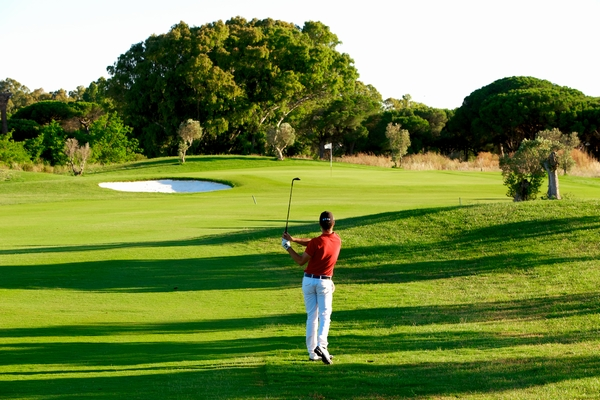 https://golftravelpeople.com/wp-content/uploads/2019/04/La-Estancia-New-4.jpg