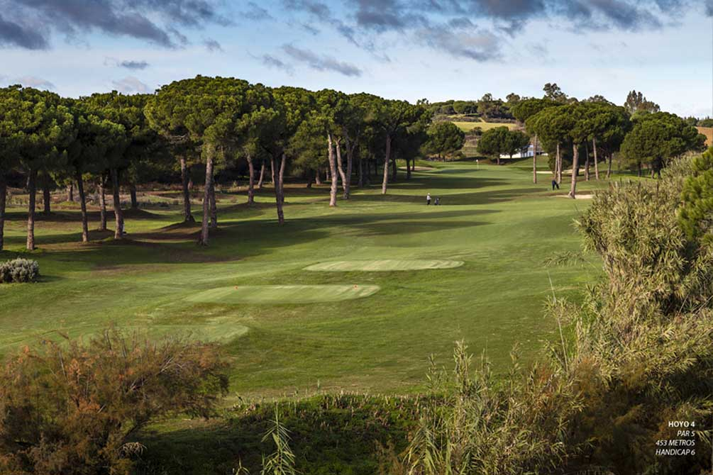 https://golftravelpeople.com/wp-content/uploads/2019/04/La-Monacilla-Golf-Club-10.jpg