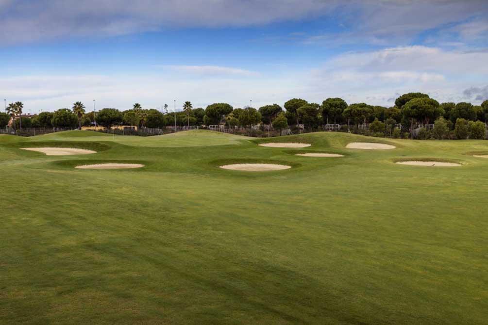 https://golftravelpeople.com/wp-content/uploads/2019/04/La-Monacilla-Golf-Club-6.jpg