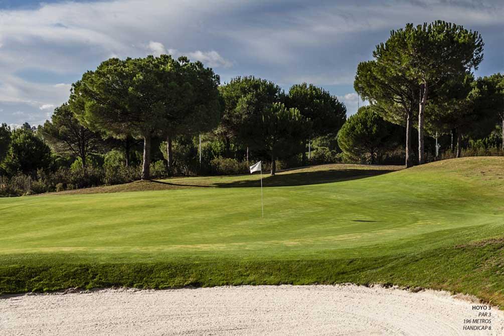 https://golftravelpeople.com/wp-content/uploads/2019/04/La-Monacilla-Golf-Club-8.jpg