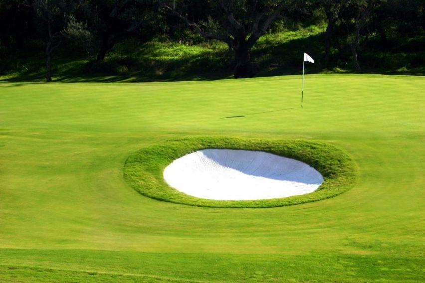 https://golftravelpeople.com/wp-content/uploads/2019/04/La-Reserva-de-Sotogrande-Golf-Club-4.jpg