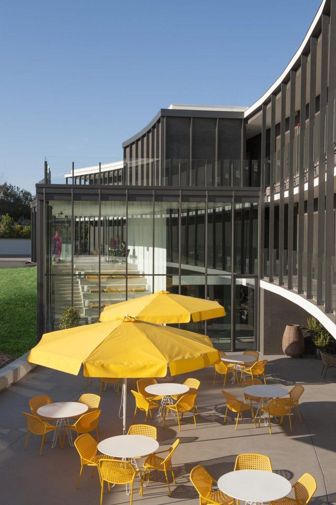 https://golftravelpeople.com/wp-content/uploads/2019/04/La-Vida-Hotel-PGA-Catalunya-Resort-Girona-Costa-Brava-8-Copy-682x1024.jpg