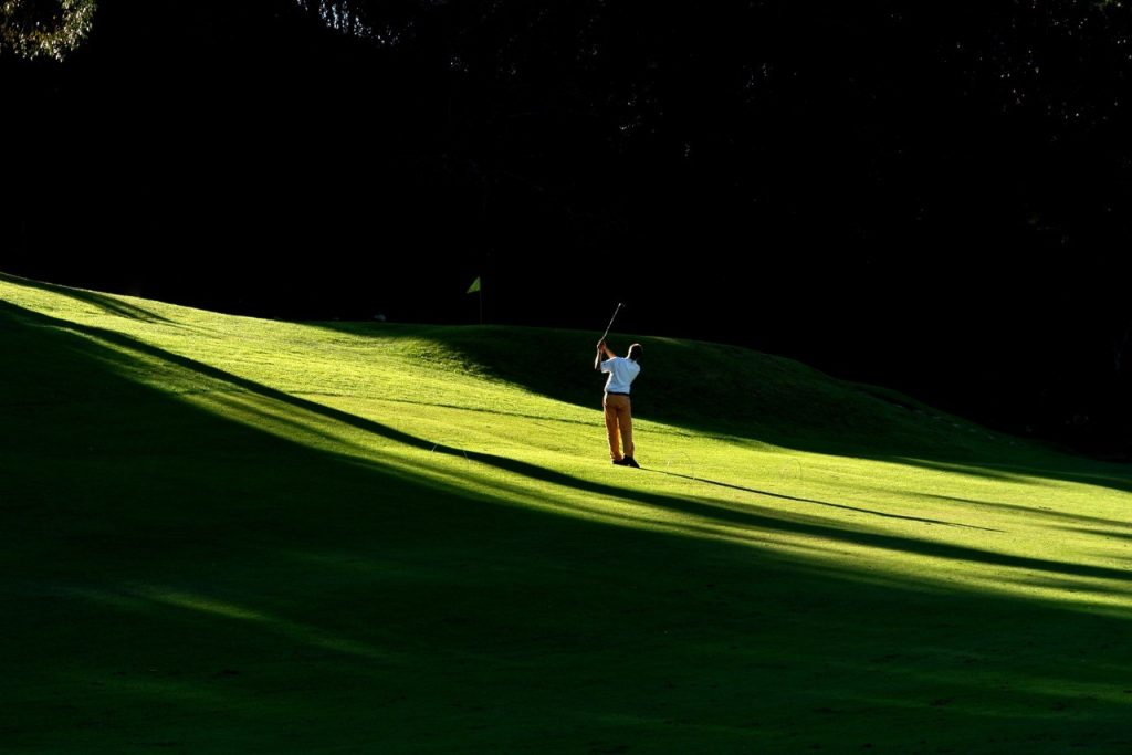 https://golftravelpeople.com/wp-content/uploads/2019/04/Lisbon-Sports-Club-2-1024x683.jpg
