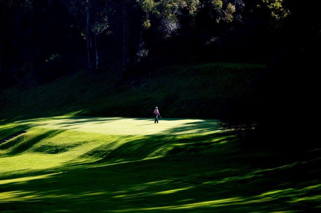 https://golftravelpeople.com/wp-content/uploads/2019/04/Lisbon-Sports-Club-3-1024x681.jpg