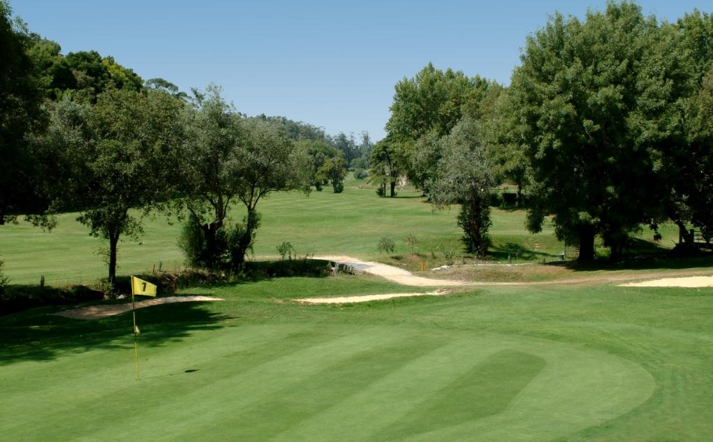 https://golftravelpeople.com/wp-content/uploads/2019/04/Lisbon-Sports-Club-New-3.jpg