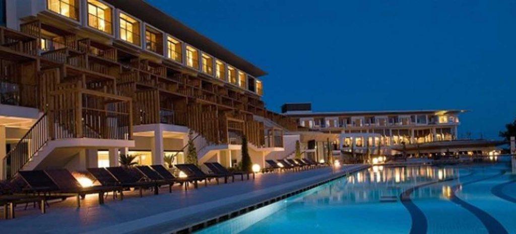 https://golftravelpeople.com/wp-content/uploads/2019/04/Lykia-World-Antalya-4-1024x465.jpg