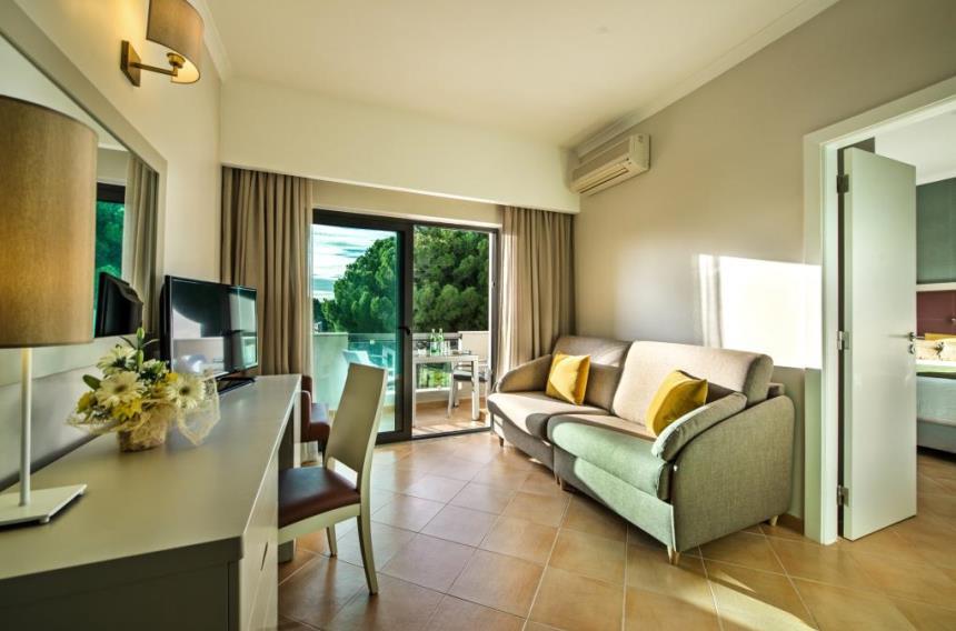 https://golftravelpeople.com/wp-content/uploads/2019/04/Magnolia-Hotel-Quinta-do-Lago-12.jpg