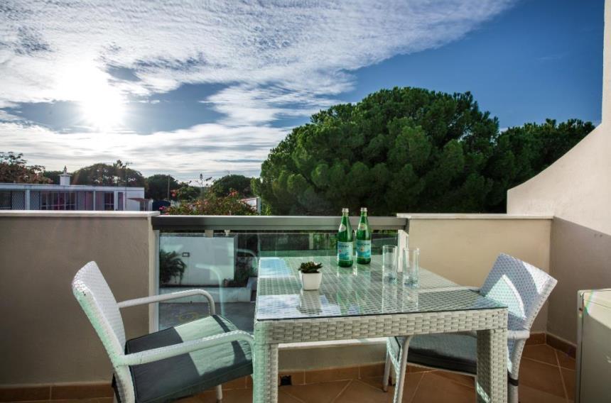 https://golftravelpeople.com/wp-content/uploads/2019/04/Magnolia-Hotel-Quinta-do-Lago-2.jpg