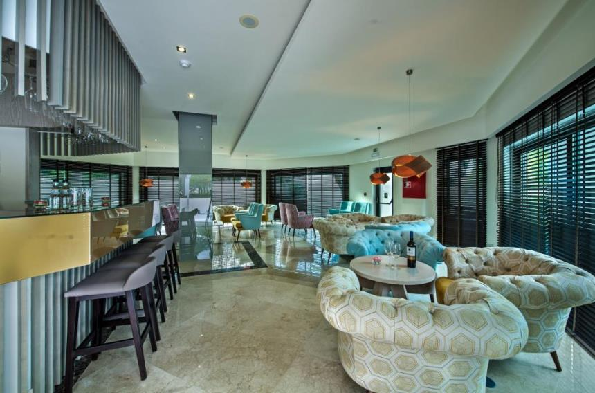 https://golftravelpeople.com/wp-content/uploads/2019/04/Magnolia-Hotel-Quinta-do-Lago-5.jpg