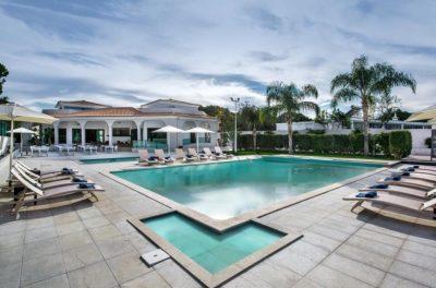 https://golftravelpeople.com/wp-content/uploads/2019/04/Magnolia-Hotel-Quinta-do-Lago-7-400x264.jpg