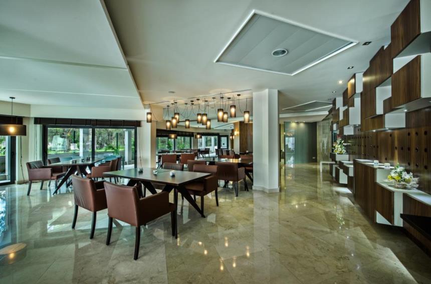 https://golftravelpeople.com/wp-content/uploads/2019/04/Magnolia-Hotel-Quinta-do-Lago-8.jpg