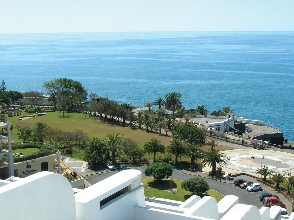 https://golftravelpeople.com/wp-content/uploads/2019/04/Melia-Madeira-Mare-Funchal-6-1024x768.jpg
