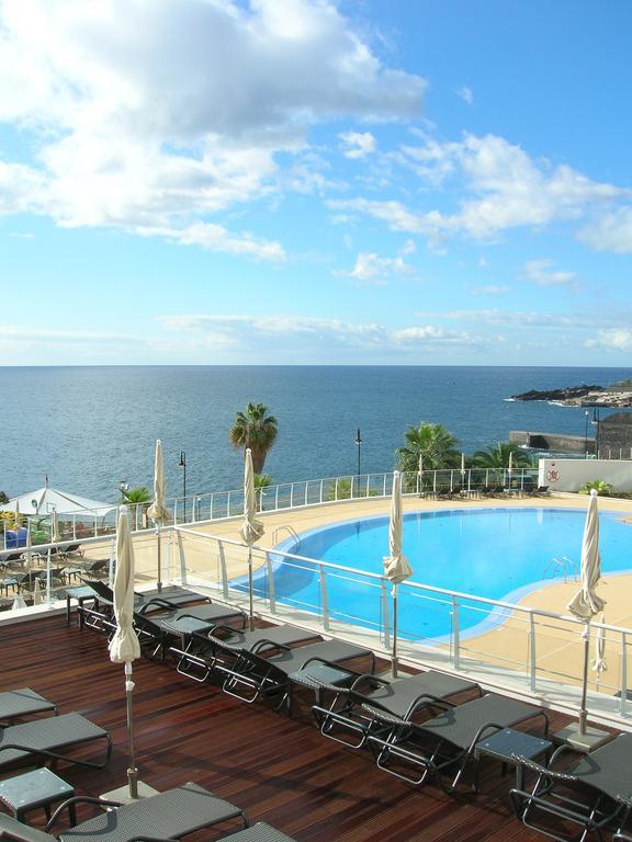 https://golftravelpeople.com/wp-content/uploads/2019/04/Melia-Madeira-Mare-Funchal-Swimming-Pools-4.jpg