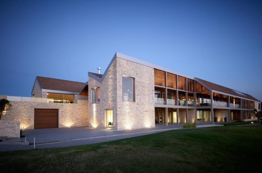 https://golftravelpeople.com/wp-content/uploads/2019/04/Minthis-Hills-Golf-Club-Cyprus-1.jpg