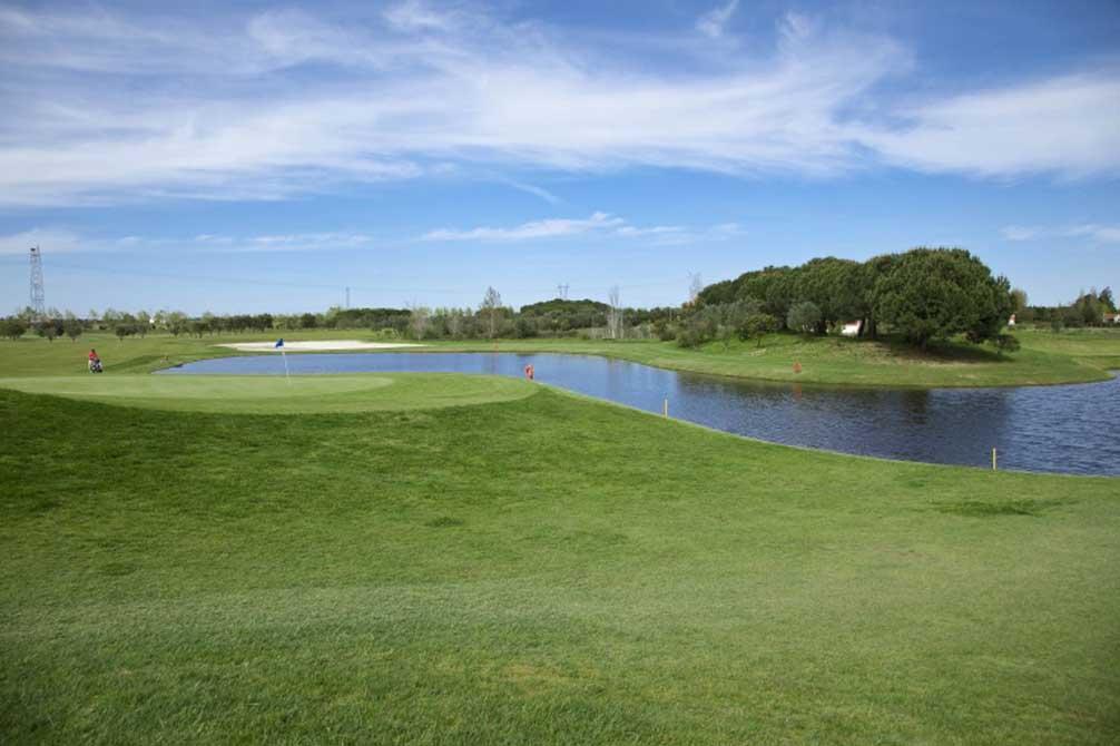 https://golftravelpeople.com/wp-content/uploads/2019/04/Montado-Golf-Club-4.jpg