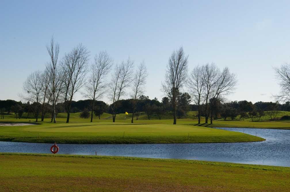https://golftravelpeople.com/wp-content/uploads/2019/04/Montado-Golf-Club-9.jpg