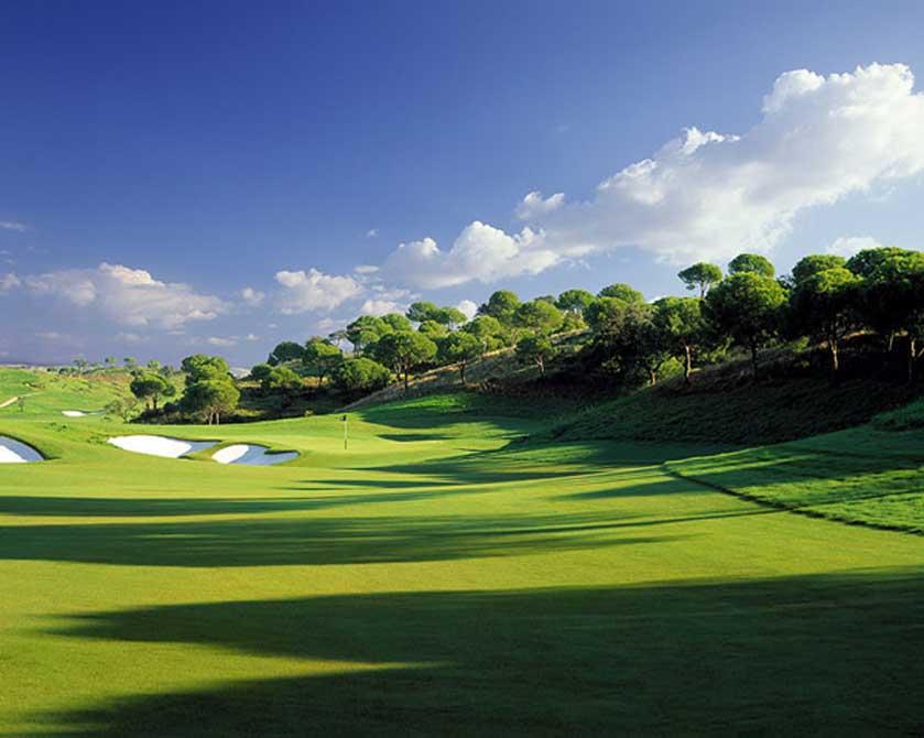 https://golftravelpeople.com/wp-content/uploads/2019/04/Monte-Rei-Golf-Club-5.jpg