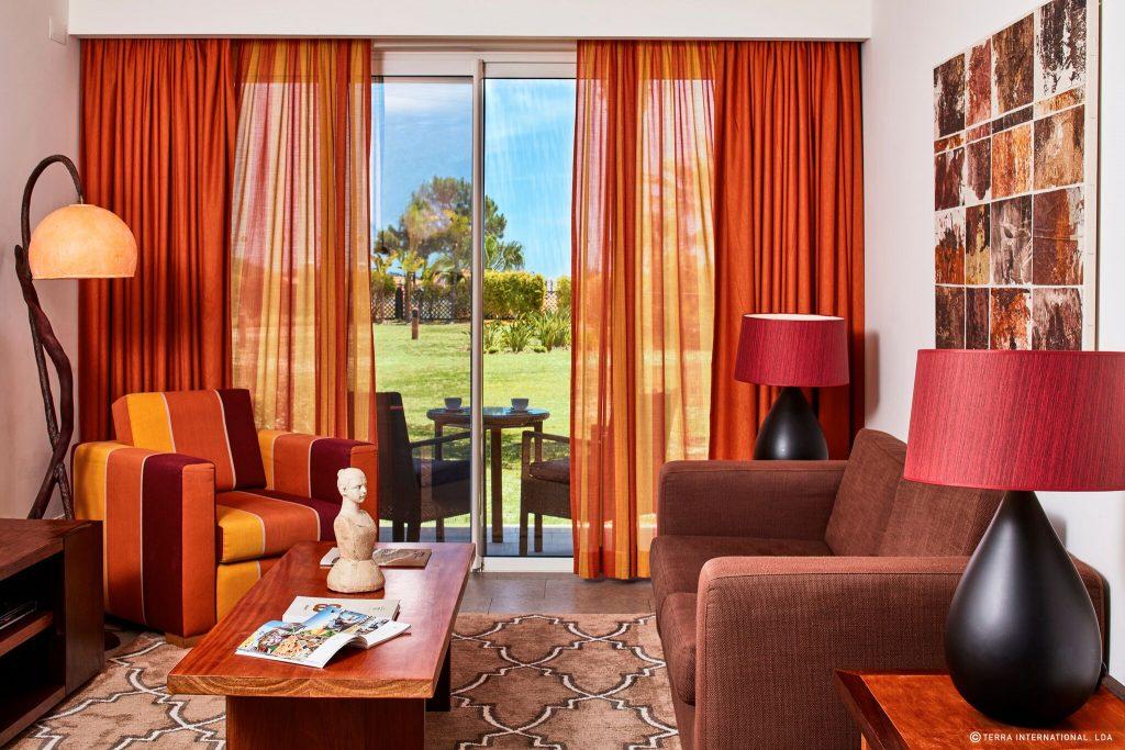https://golftravelpeople.com/wp-content/uploads/2019/04/Monte-da-Quinta-Suites-Quinta-do-Lago-16-1024x683.jpeg