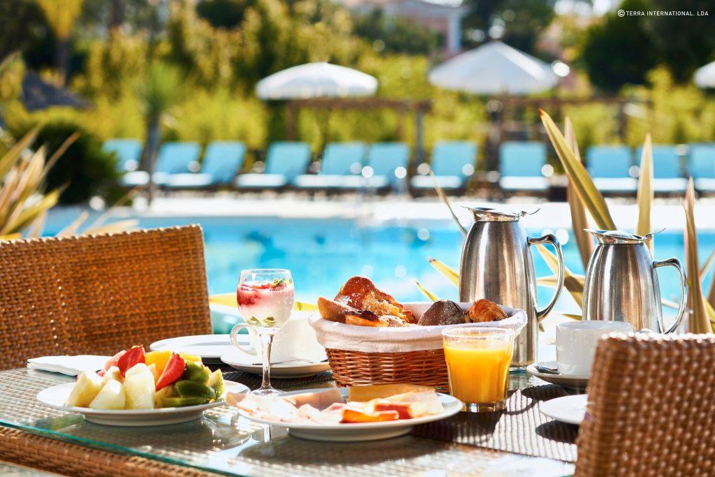 https://golftravelpeople.com/wp-content/uploads/2019/04/Monte-da-Quinta-Suites-Quinta-do-Lago-45-1024x683.jpeg
