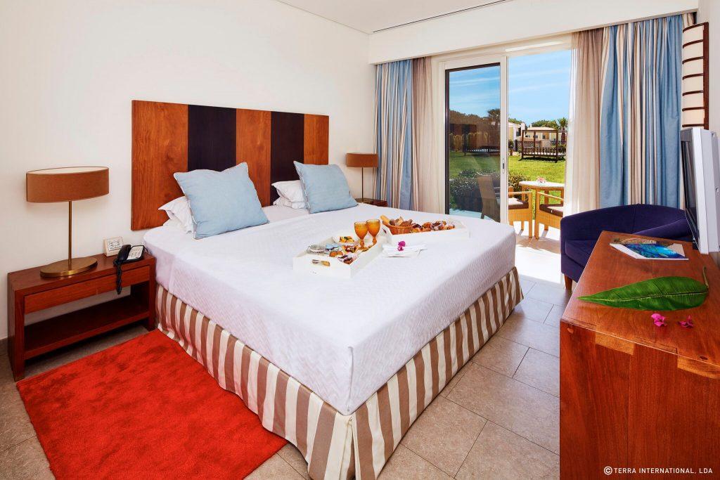 https://golftravelpeople.com/wp-content/uploads/2019/04/Monte-da-Quinta-Suites-Quinta-do-Lago-5-1024x683.jpeg
