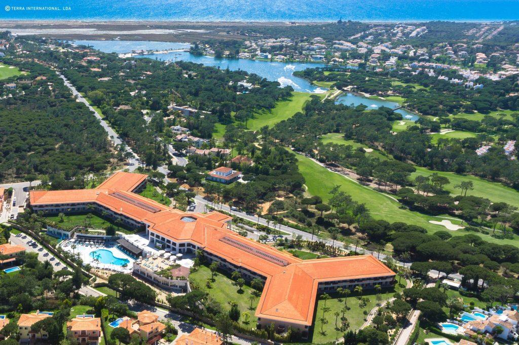 https://golftravelpeople.com/wp-content/uploads/2019/04/Monte-da-Quinta-Suites-Quinta-do-Lago-70-1024x681.jpeg