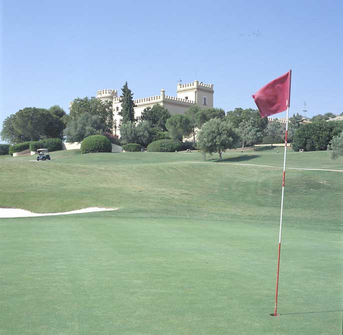 https://golftravelpeople.com/wp-content/uploads/2019/04/Montecastillo-Golf-Club-5.jpg