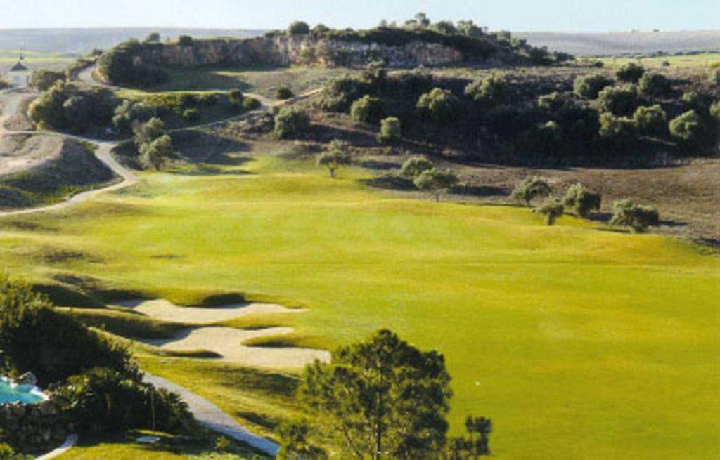 https://golftravelpeople.com/wp-content/uploads/2019/04/Montecastillo-Golf-Club-6-1024x655.jpg