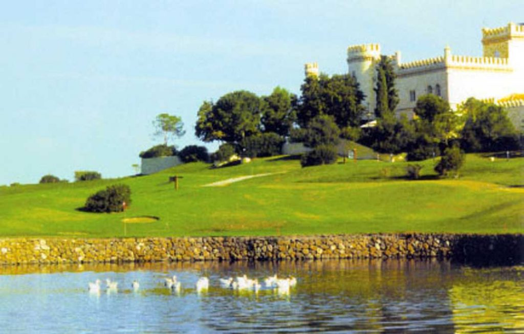 https://golftravelpeople.com/wp-content/uploads/2019/04/Montecastillo-Golf-Club-7-1024x653.jpg