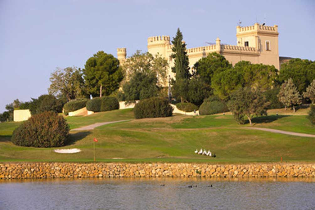 https://golftravelpeople.com/wp-content/uploads/2019/04/Montecastillo-Golf-Club-9.jpg
