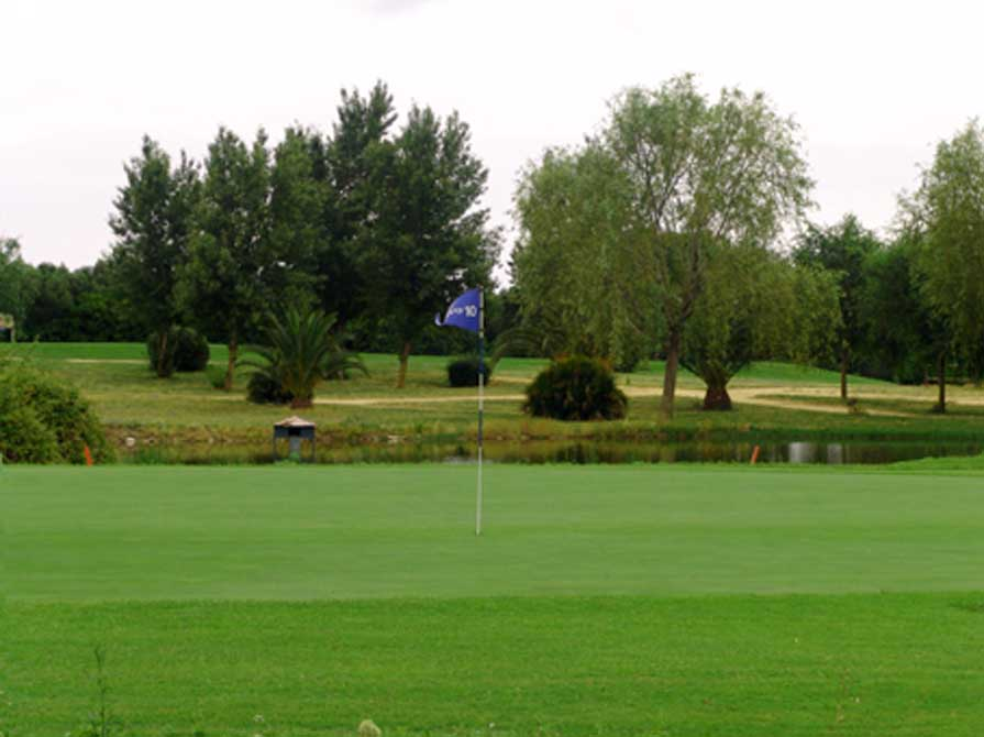 https://golftravelpeople.com/wp-content/uploads/2019/04/Montenmedio-Golf-Club-5.jpg