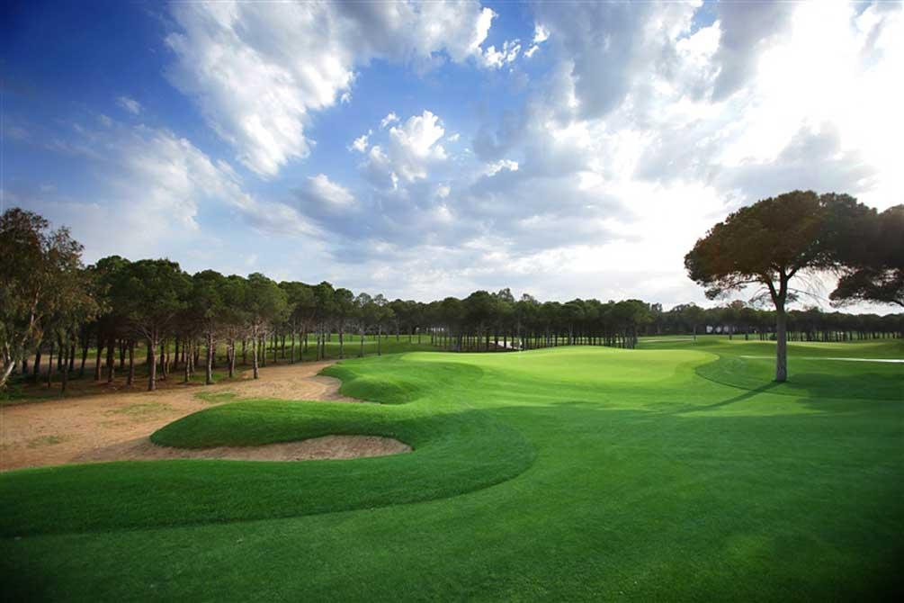 https://golftravelpeople.com/wp-content/uploads/2019/04/Montgomerie-Maxx-Royal-12.jpg