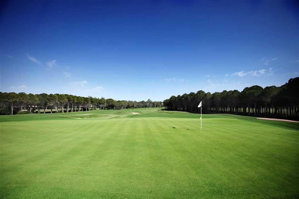 https://golftravelpeople.com/wp-content/uploads/2019/04/Montgomerie-Maxx-Royal-7.jpg