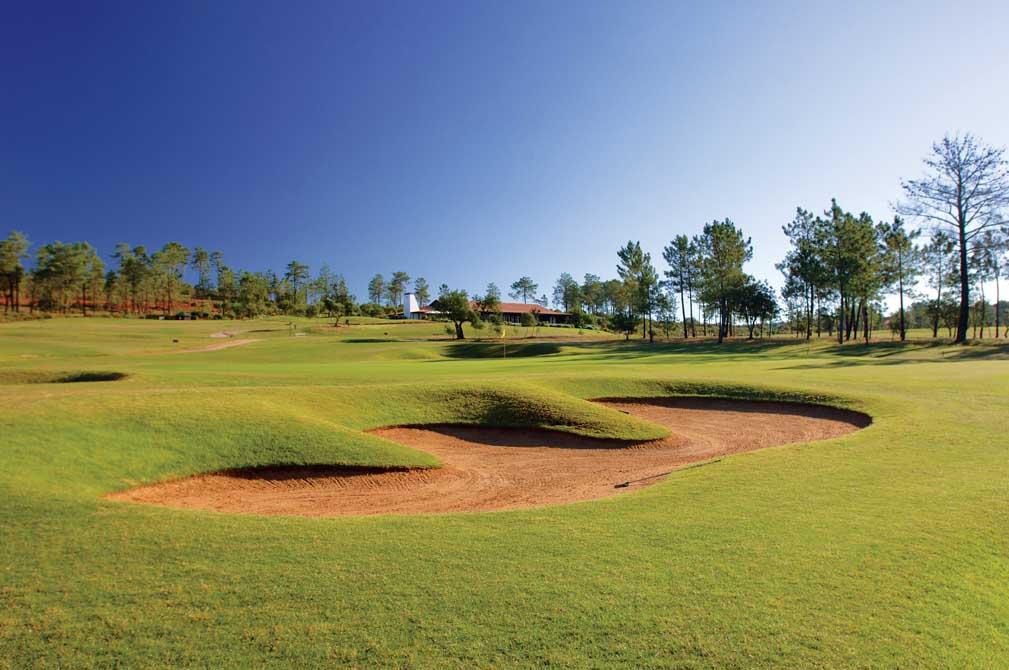 https://golftravelpeople.com/wp-content/uploads/2019/04/Morgado-Golf-Club-11.jpg