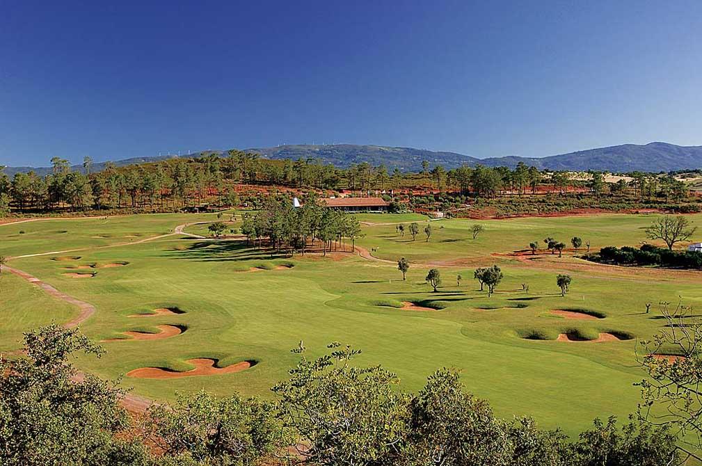https://golftravelpeople.com/wp-content/uploads/2019/04/Morgado-Golf-Club-5.jpg