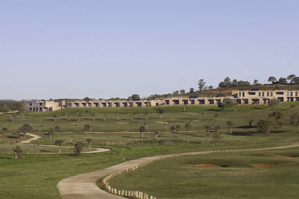 https://golftravelpeople.com/wp-content/uploads/2019/04/NAU-Morgado-Golf-Hotel-8.jpg