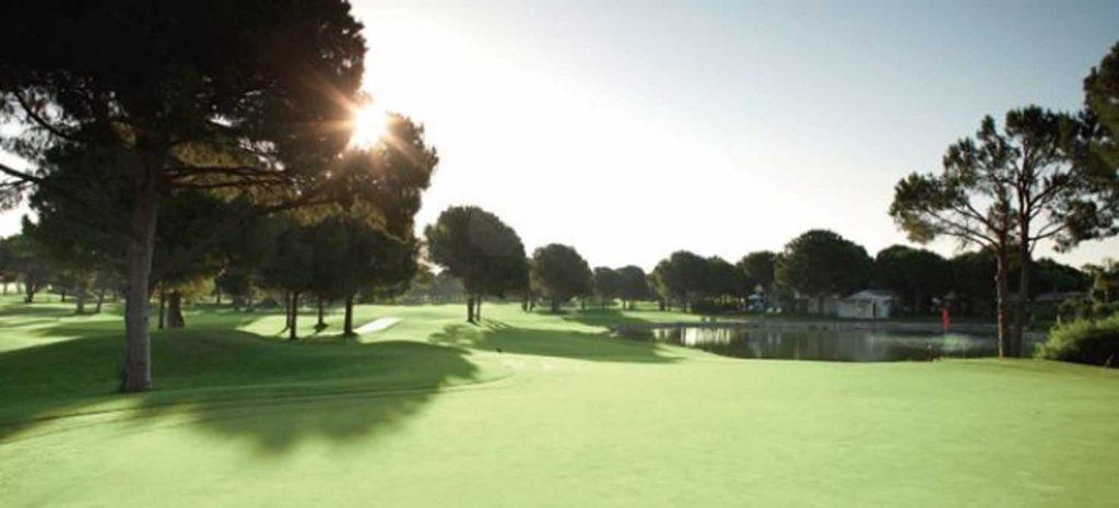 https://golftravelpeople.com/wp-content/uploads/2019/04/National-Golf-Course-2-1024x465.jpg