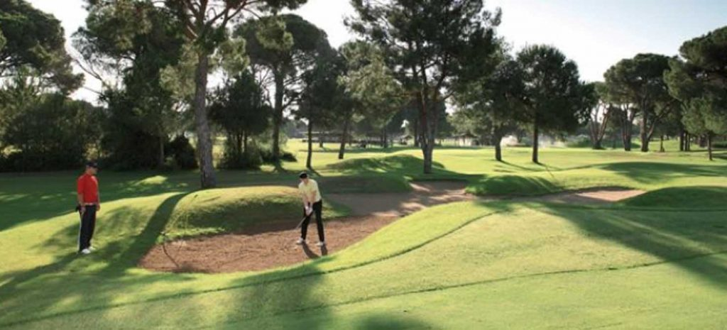 https://golftravelpeople.com/wp-content/uploads/2019/04/National-Golf-Course-4-1024x465.jpg