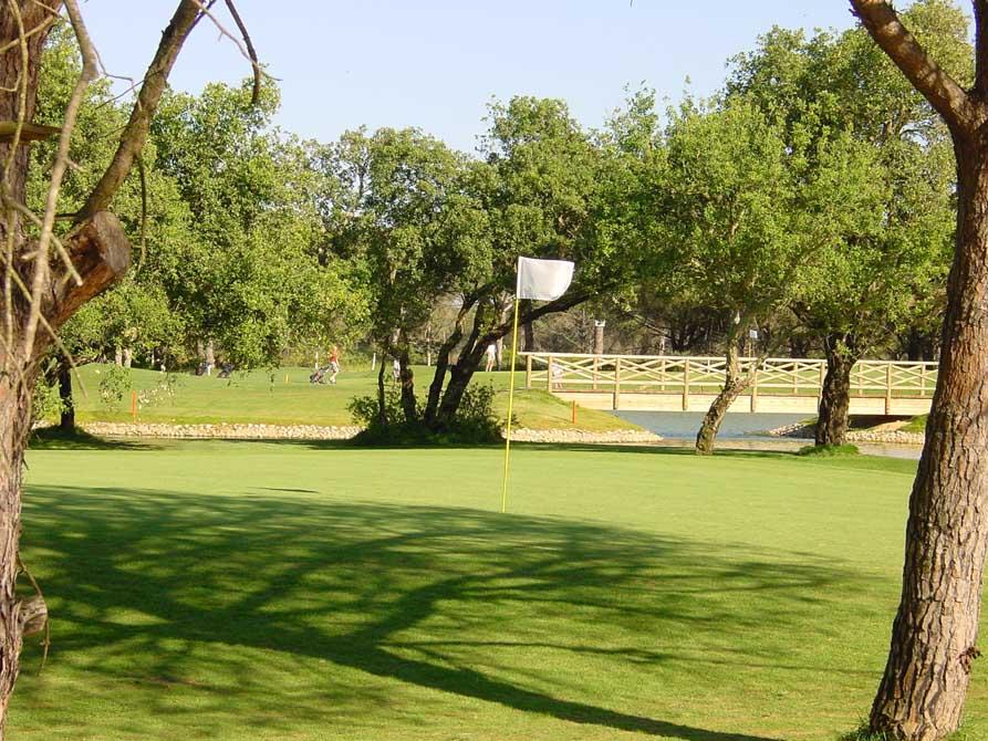 https://golftravelpeople.com/wp-content/uploads/2019/04/Novo-Sancti-Petri-Golf-Club-3.jpg