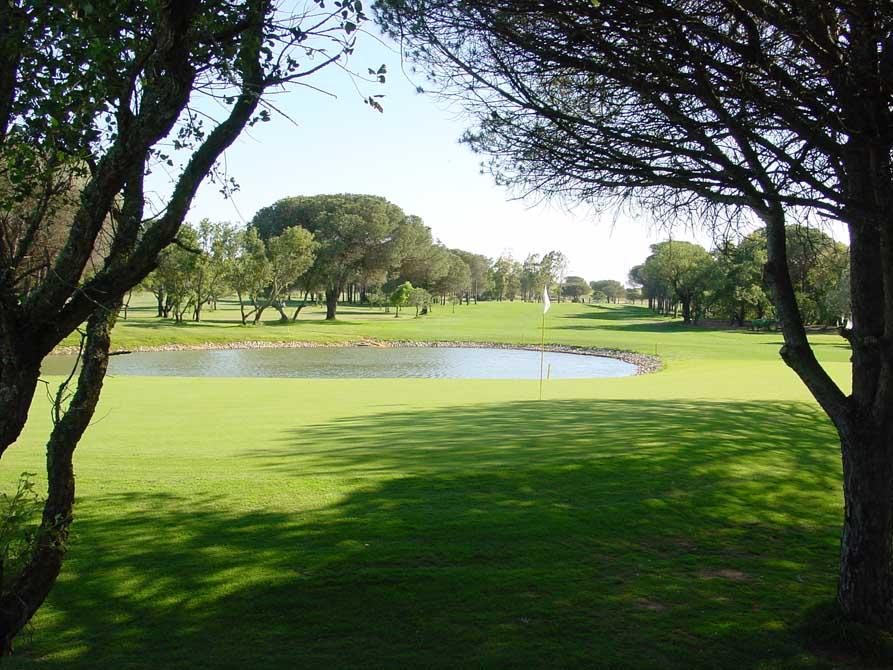 https://golftravelpeople.com/wp-content/uploads/2019/04/Novo-Sancti-Petri-Golf-Club-4.jpg