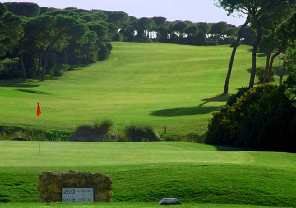 https://golftravelpeople.com/wp-content/uploads/2019/04/Nuevo-Portil-Golf-Club-4.jpg