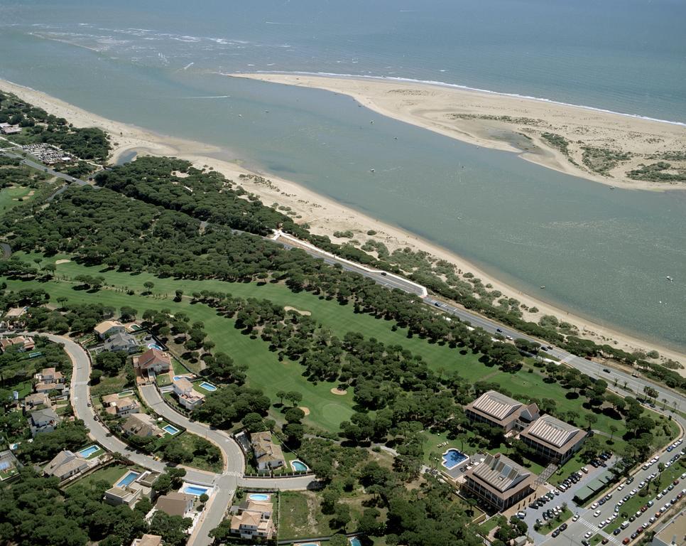 https://golftravelpeople.com/wp-content/uploads/2019/04/Nuevo-Portil-Golf-Hotel-21.jpg