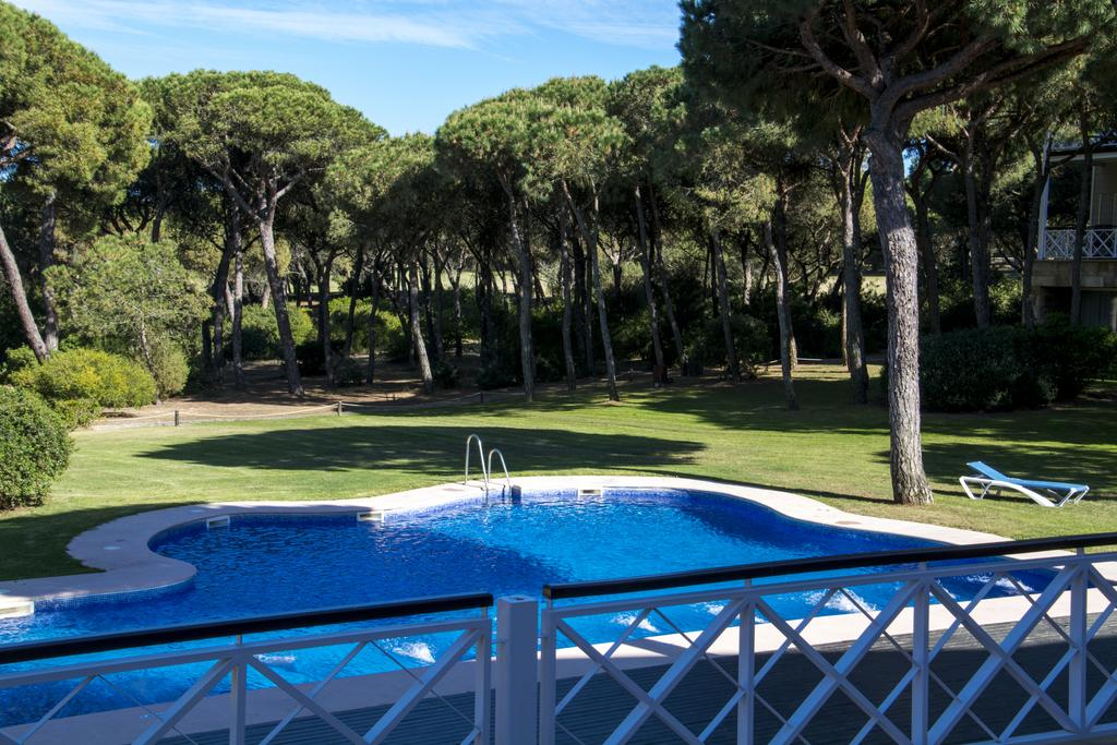 https://golftravelpeople.com/wp-content/uploads/2019/04/Nuevo-Portil-Golf-Hotel-22.jpg