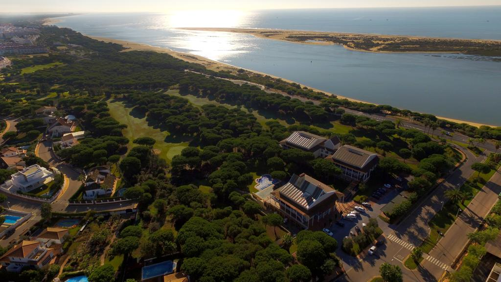 https://golftravelpeople.com/wp-content/uploads/2019/04/Nuevo-Portil-Golf-Hotel-25.jpg