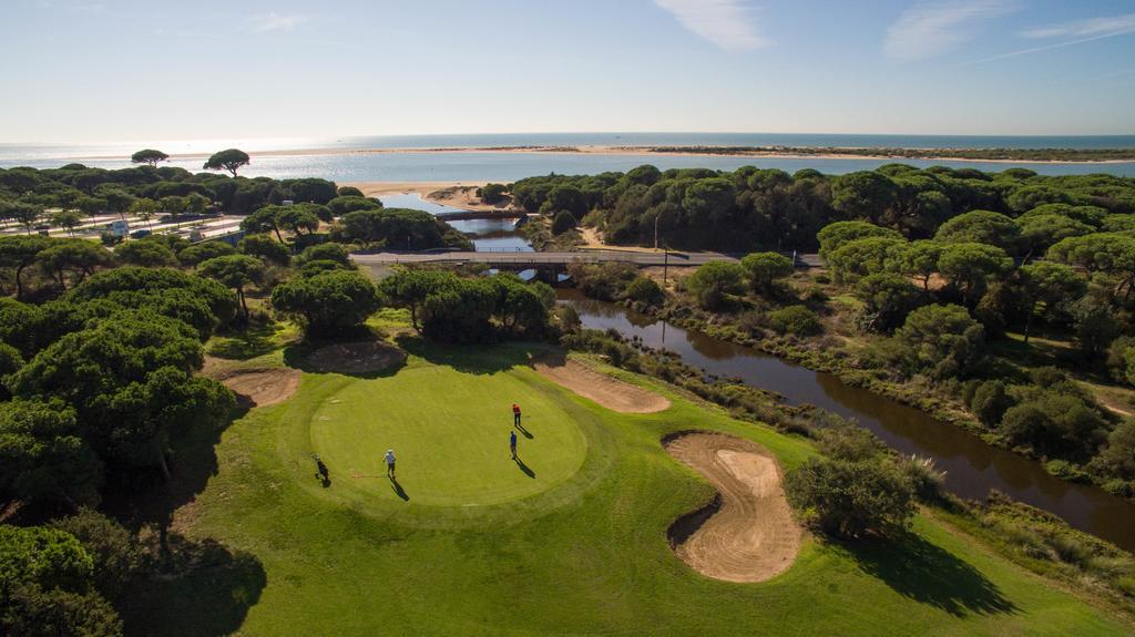 https://golftravelpeople.com/wp-content/uploads/2019/04/Nuevo-Portil-Golf-Hotel-26.jpg